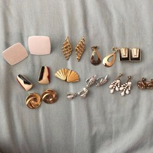 11 pairs of vintage clip on earrings!!!